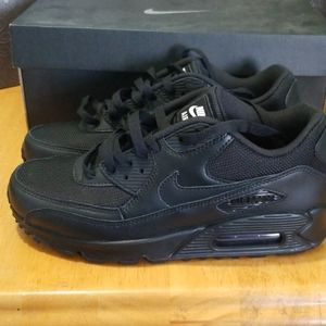 Brand new Womens Black Nike Air Max size 8